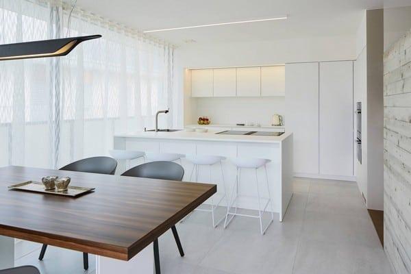 Zitturi kitchen dining table