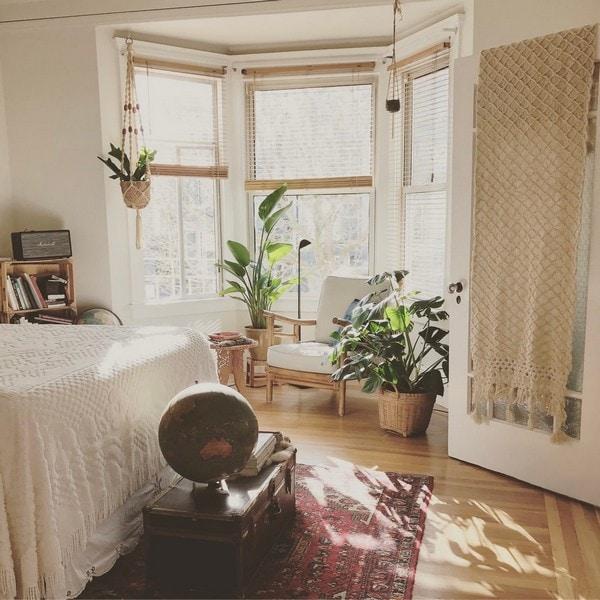 natural-splashes-color-bedroom